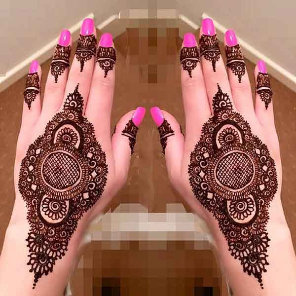 beautiful designed mehndi