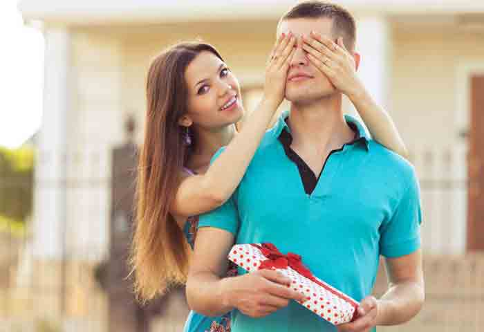 11 Creative Gifts for Boyfriend – Easy, Cute & Cheap Ideas to Surprise Your Boyfriend