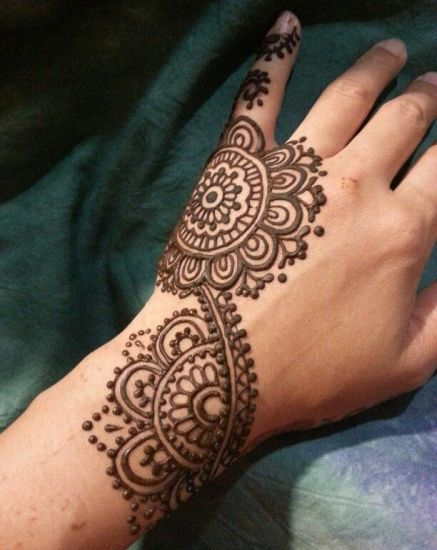Round Henna mehndi