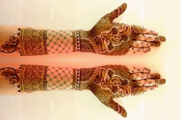 Mehndi Hands Designs : Most popular traditional mehndi designs for hands