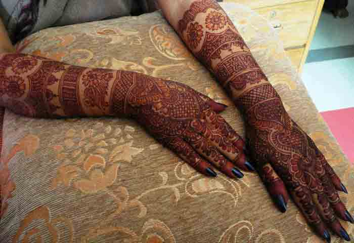 Mehndi Bracelet Designs 2016 : Stunning and beautiful bangle mehndi designs to inspire you