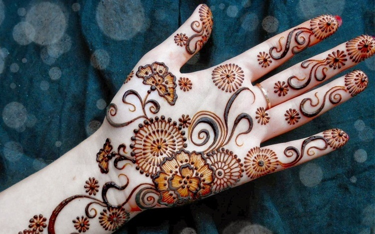 colored circle mehndi