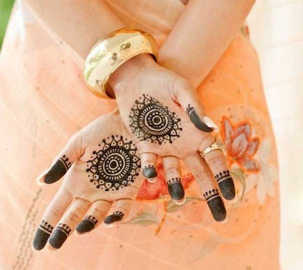 round type mehndi. Top 25 Amazing simple circle mehndi Designs   Simple And Easy