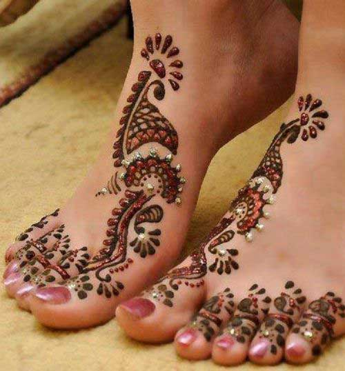 foot mehndi design with kundans