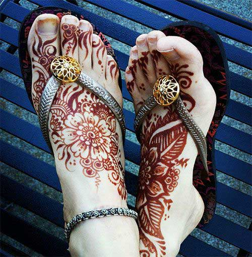 Flowery Foot Mehndi Design