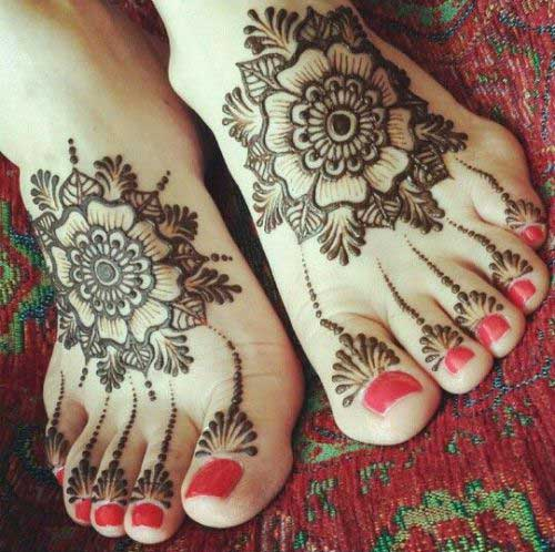 bridal foot mehndi design
