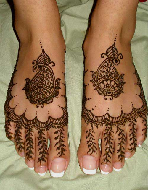 Black Foot Mehndi Design