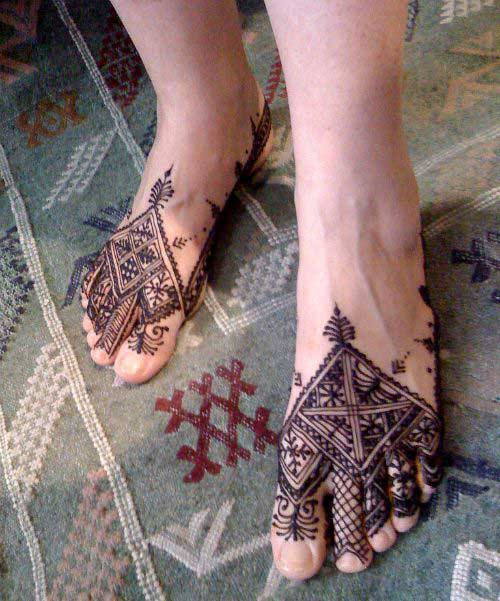 Simple Bridal Foot Mehendi Design