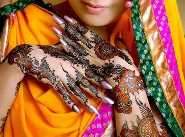 Peacock Glitter Mehndi Design