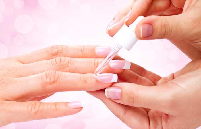 applying-cuticle-oil