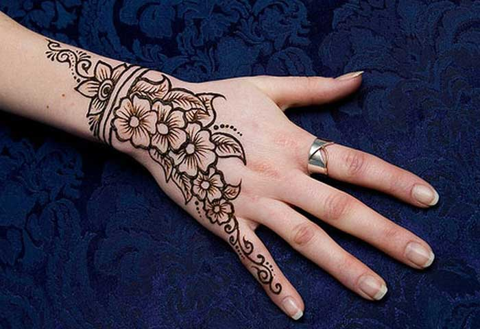 mehandi design simple for back hand
