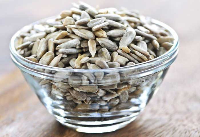 17 Amazing Benefits of Sunflower Seeds For Skin,Hair and Health