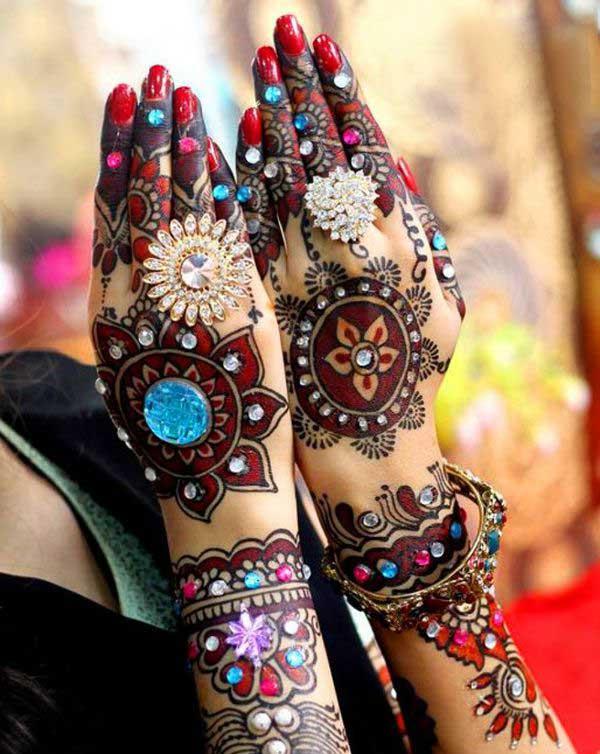 Bridal Glitter Mehndi Design