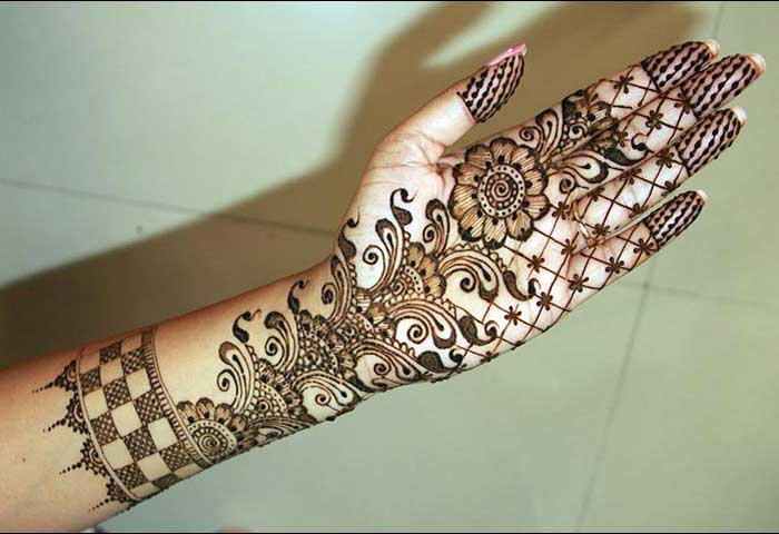 Best Mehndi Flower : Latest and stylish floral mehndi designs for hands
