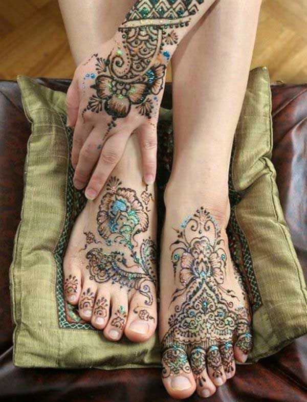 Flowery Glitter Mehndi Design for Hand and Leg