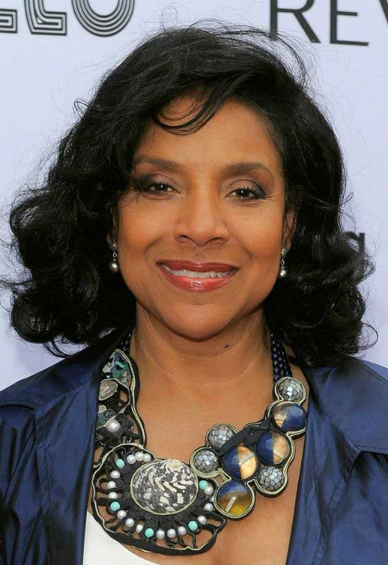 phylicia-rashad-chin-length-curly-hairstyle