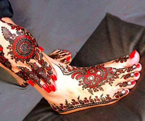 Red Glitter Mehndi design for Hand and Leg