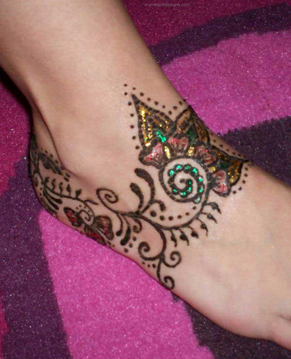 Flowery Glitter Mehndi Design