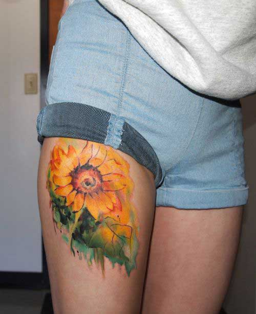 sunflower-on-the-thigh-tattoo