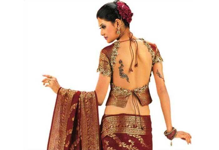 backless-saree-blouse-fo-lehnga