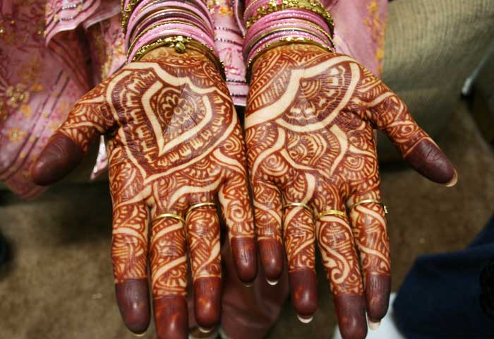 Mehndi Hand Name : Trending wedding mehndi designs which are bollywood s favourite