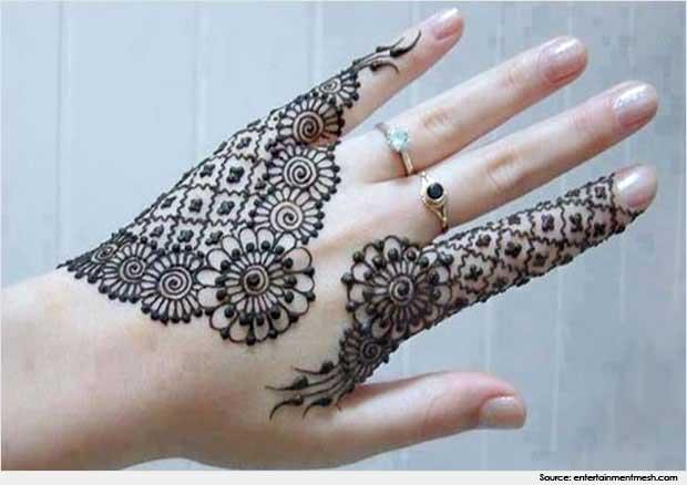 Ring Ceremony Mehndi Design : Ring chain mehndi design makedes