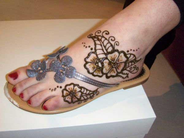 beautiful-arabic-eid-mehndi-design-like-a-floral-mehndi-design-2012-2013-collection-05-1