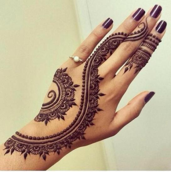 curved-lines-mehndi-design