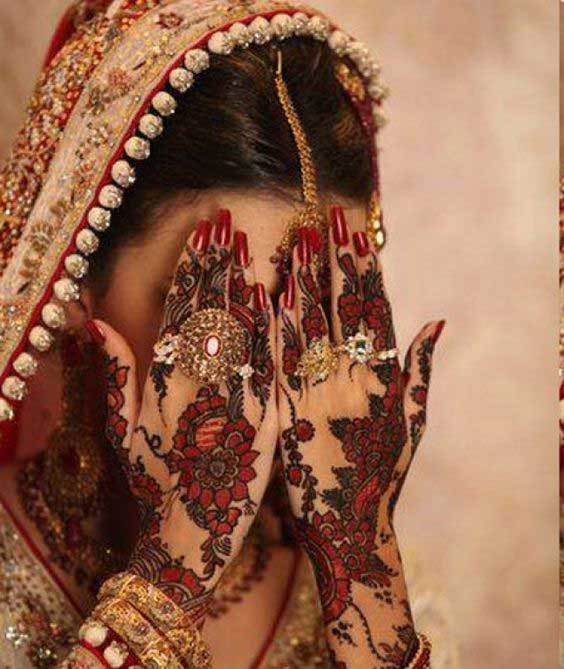 exquisite-floral-mehndi-design-for-brides