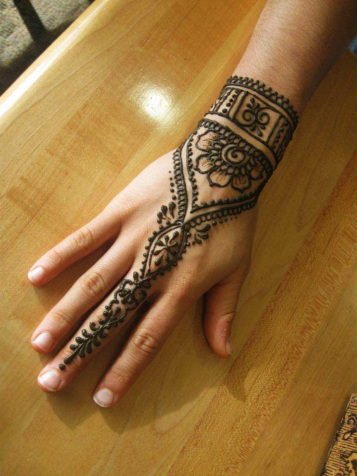 25 beautiful ring mehndi designs for your hands. Black Bedroom Furniture Sets. Home Design Ideas