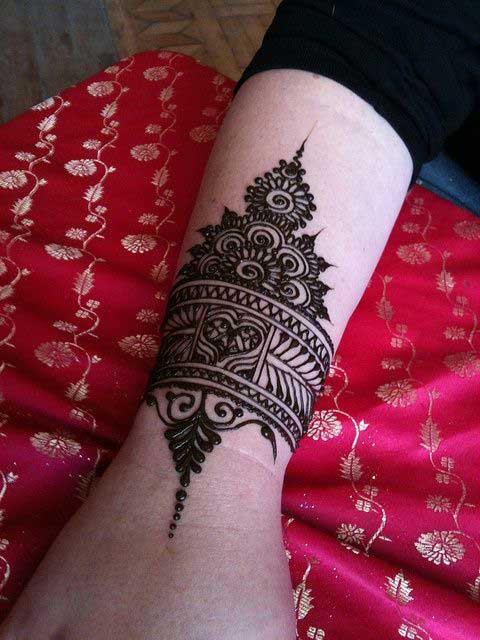 20 Stunning And Beautiful Bangle Mehndi Designs To Inspire You - Beauty Epic