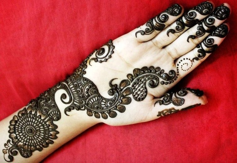 Designs Of Mehndi For Palm : Latest and stylish one line mehndi designs for hands