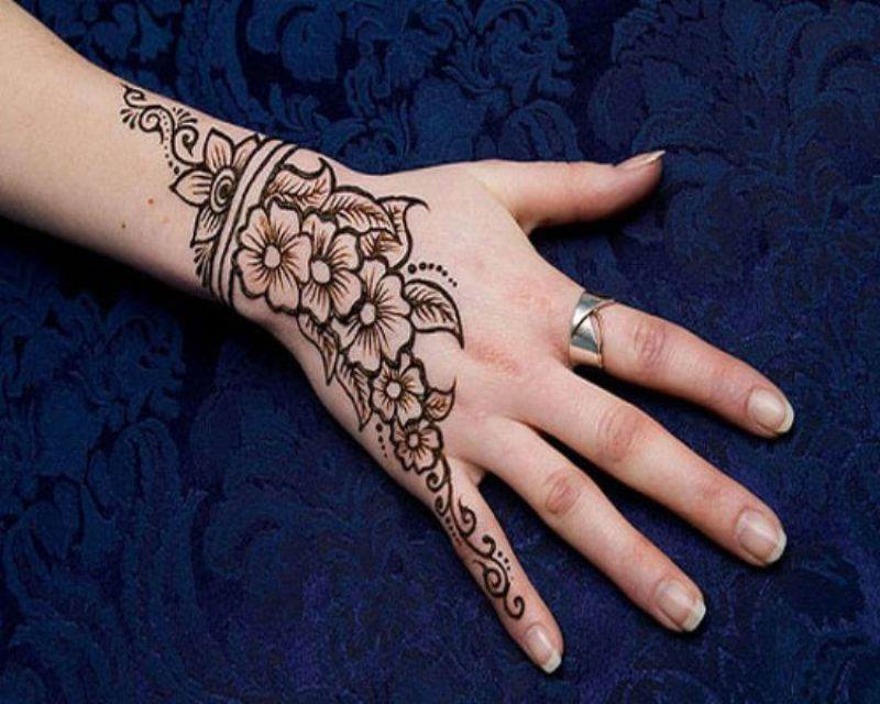 Simple Flower Mehndi Patterns : Top simple and easy beautiful mehndi designs for kids