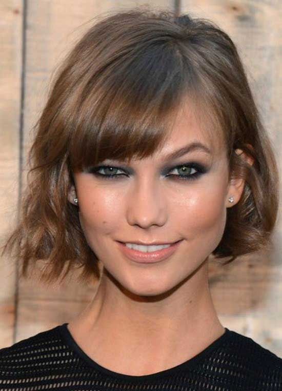 What Should You Look For When Choosing Hairstyles Short Neck The Main Concern Choose Styles That Accentuate Your Features