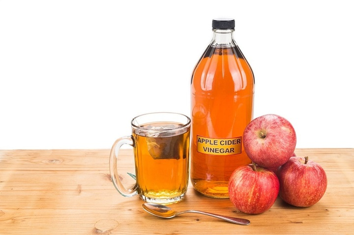 apple cider vinegar for strong nails