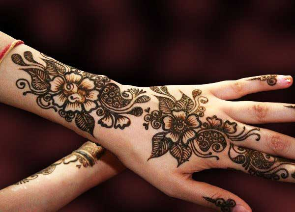 bridal-flowers-mehndi-design