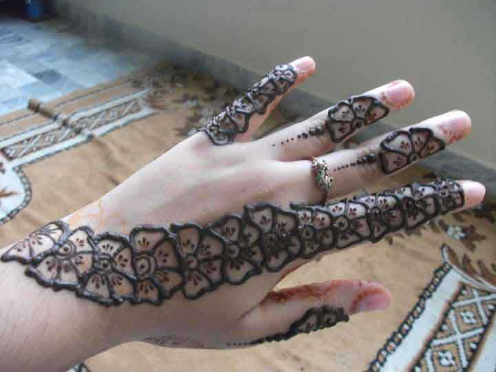 Flower Pattern Mehndi Designs : Latest and stylish floral mehndi designs for hands