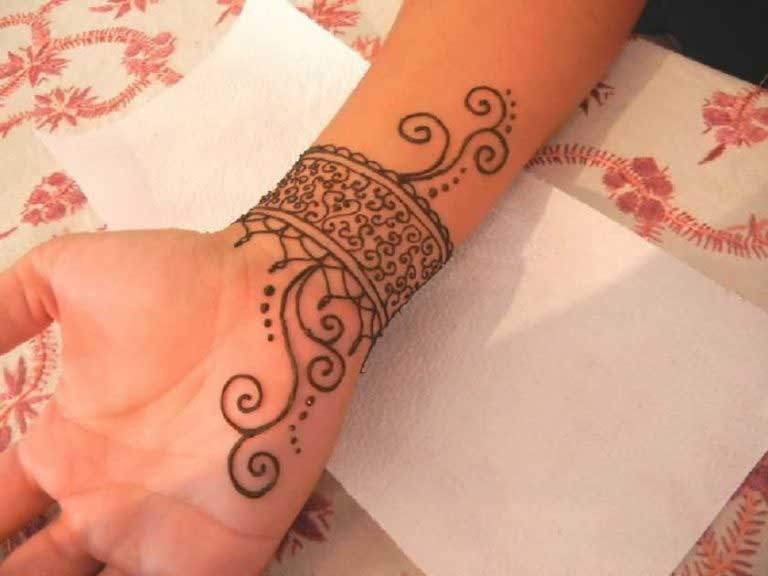 Wrist Mehndi Patterns : Top latest bracelet style mehndi designs to inspire you