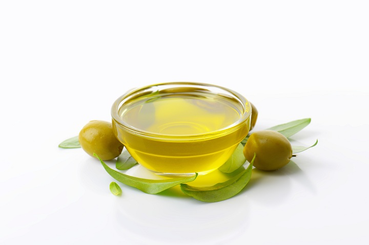 olive oil for strengthening nails