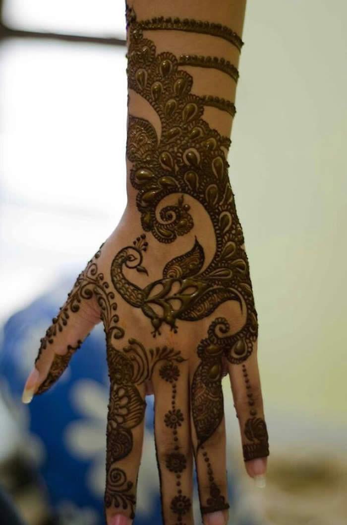 peacock mehndi design for hands