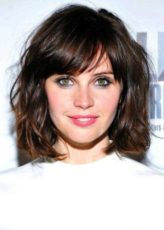 Shoulder Length Wavy Bob Hairstyles With Side Blunt Bangs