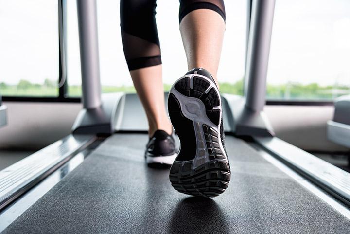 running and walking on treadmill