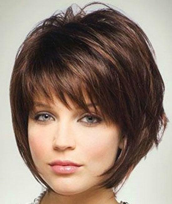 Alyson Hannigan Sassy Bob Haircuts for Round Faces
