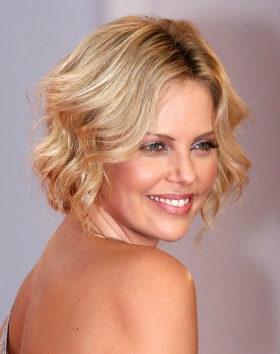 Charlize Theron Short Wavy Haircut