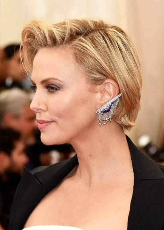 Charlize Theron Side Parted Short Haircut