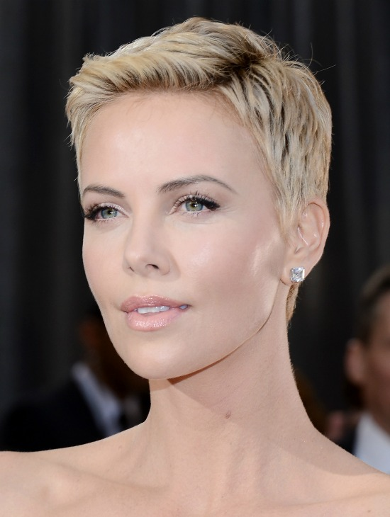 Charlize Theron Very Short Hair Cut