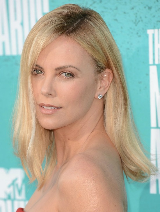 Charlize Theron long hair with Side Partition