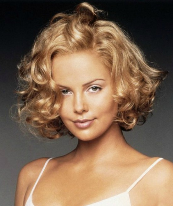 Charlize Theron's Short Curly hairstyle