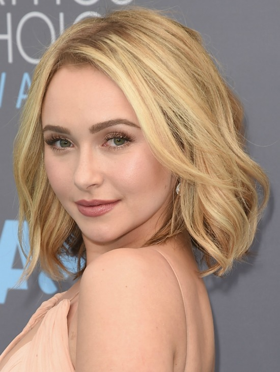 Hayden Panettiere Shoulder Length Wavy Bob Hairstyle