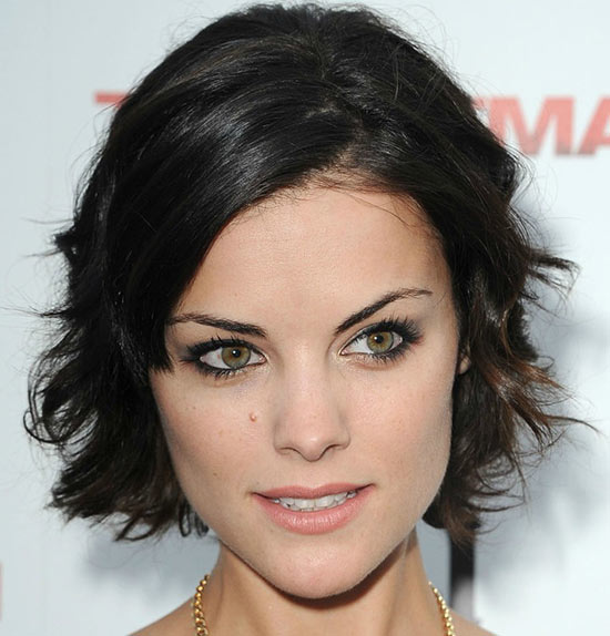 Jaimie Alexander Sassy Bob Haircuts for Round Faces
